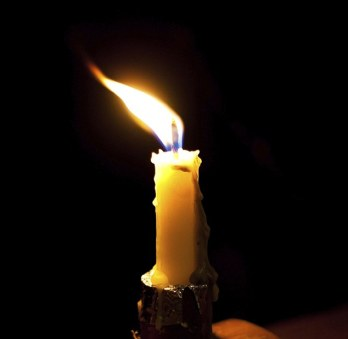 3B86058C00000578-0-Danger_The_number_of_people_killed_in_fires_caused_by_candles_ha-m-109_1482539586836